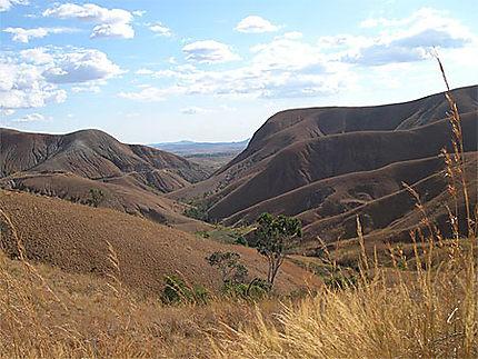 Montagne sur la route de Miandrivazo