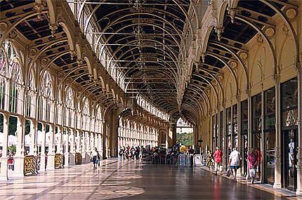 Colonnade Lazenska