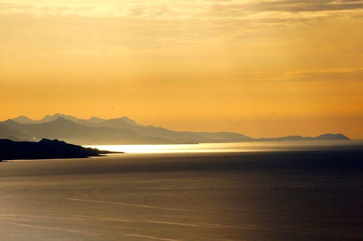 Éclaircie, Corse