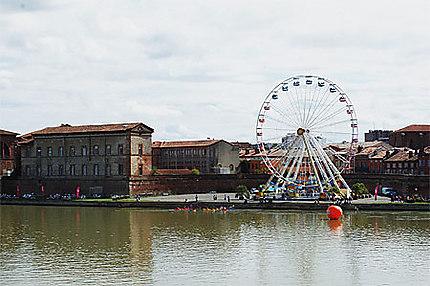 Grande roue bord de Garonne