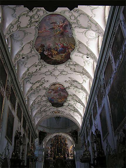 Eglise St Pierre Salzbourg. Plafond rococo.