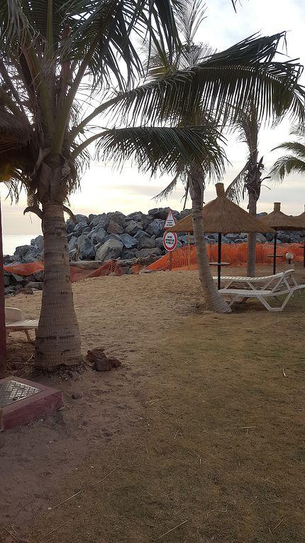 Travaux sur la plage de Saly