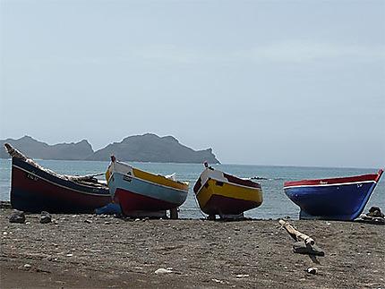 Embarcations à Baia Das Gatas