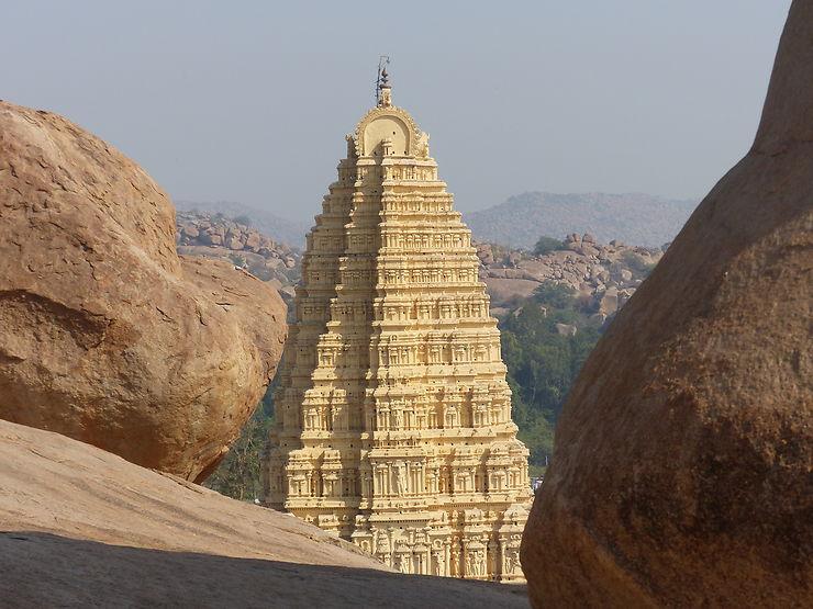 Gopuram du temple de Virupaksha à Hampi, Inde