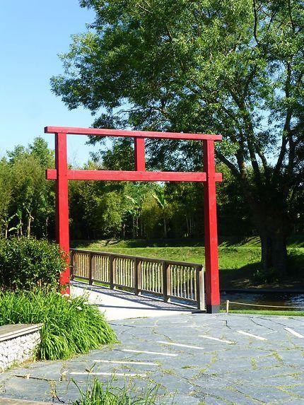 Porte japonaise en Anjou