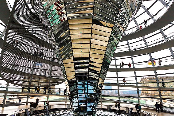 La coupole du Reichstag, symbole du Berlin moderne