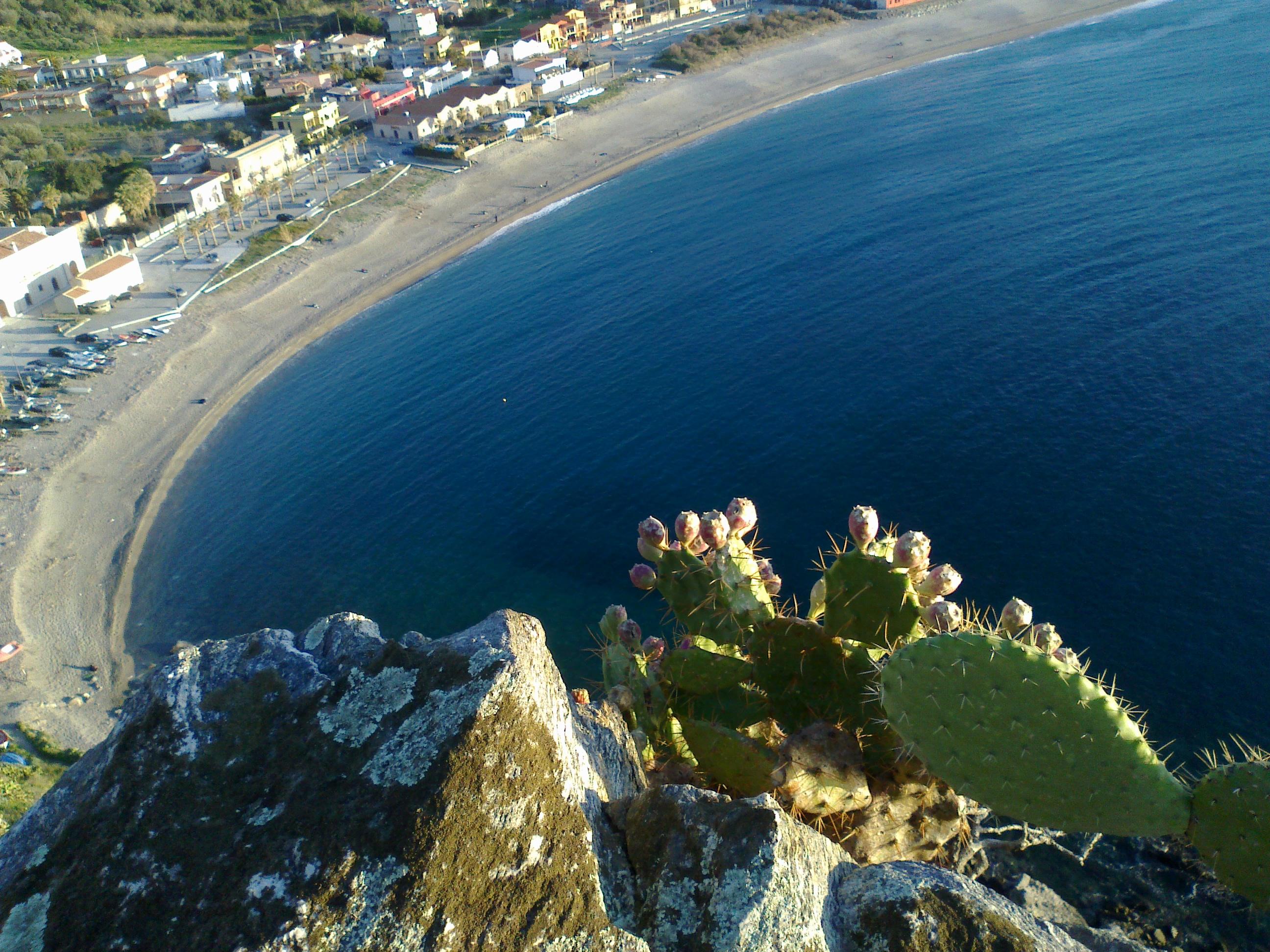 La plage à Milazzo : Plages : Mer : Milazzo : Sicile ...