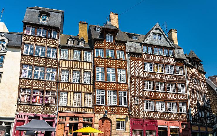 Bretagne - Rennes interdit les chauffages en terrasse