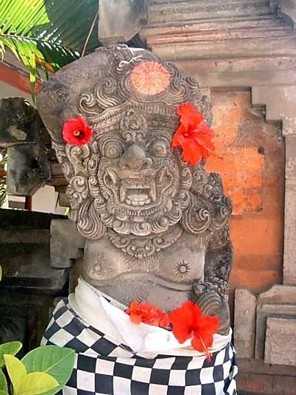 Statue décorée