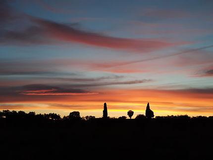 Coucher de soleil au dessus du cimetière d'Oriola