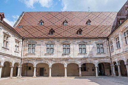 Besançon, Cour d'honneur du Palais Granvelle