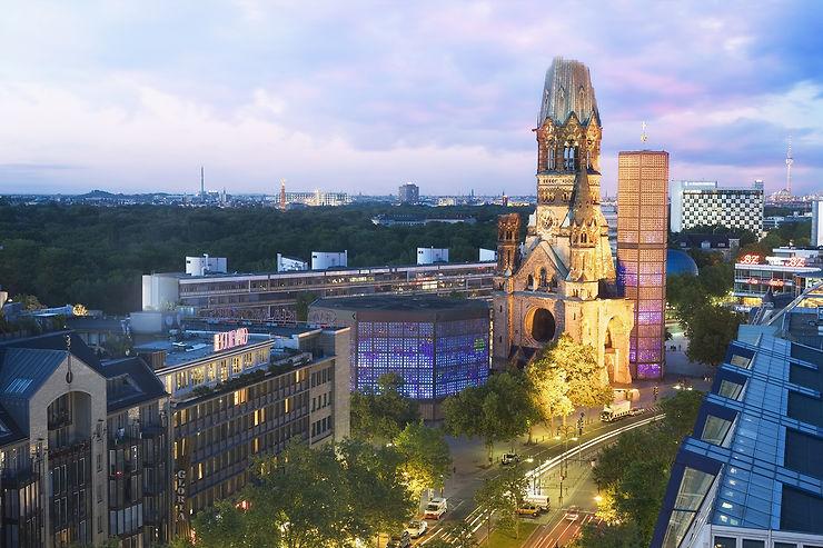 Le Kurfürstendamm, l'église du Souvenir et le grand magasin KaDeWE