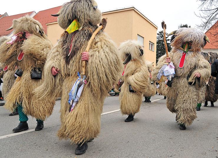 Carnaval Kurentovanje à Ptuj (Slovénie) : gare au monstre !