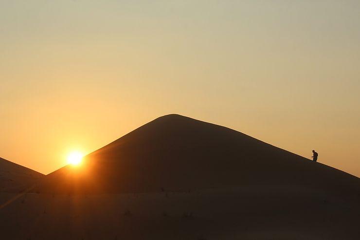 Coucher de soleil sur les dunes d'Al-Ain, Emirats arabes unis