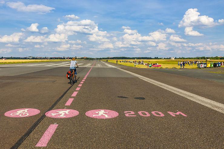 Tempelhof, un parc au bord des pistes de l'ancien aéroport