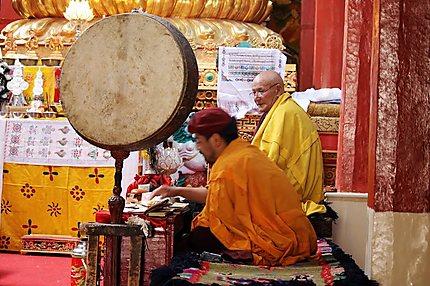 Les moines en prière