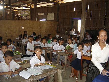 Salle de classe à Don Det