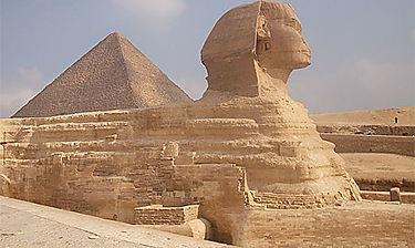 Pyramides de Guizèh (environs du Caire)