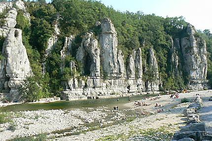 Les falaises de Labeaume