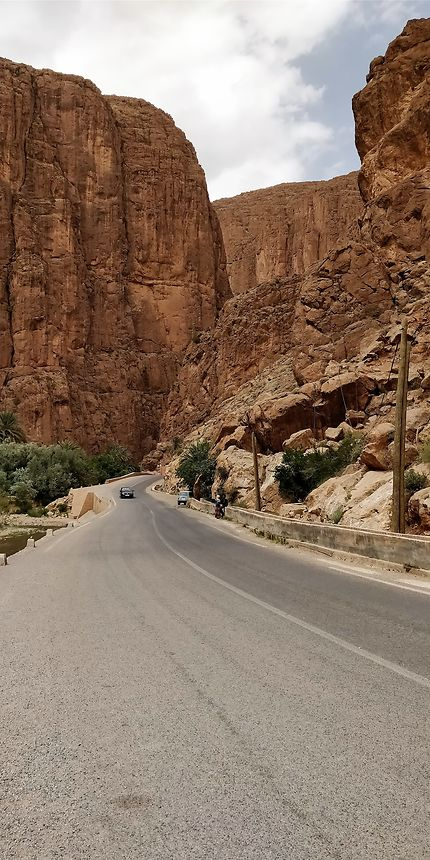 Dans les gorges du Toudra, Maroc