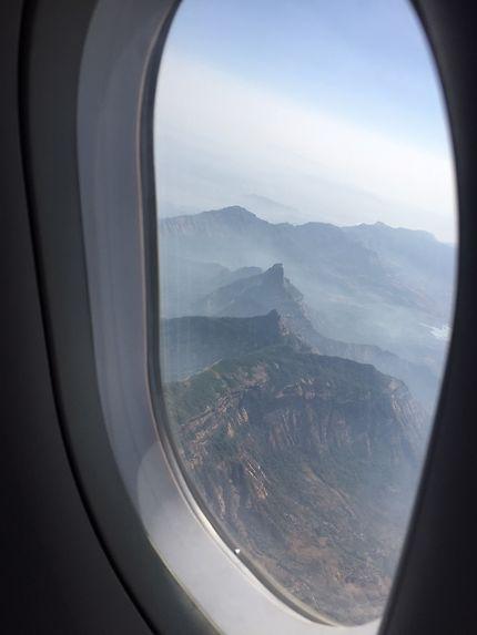 La chaine des montagnes Matheren près de Mumbai