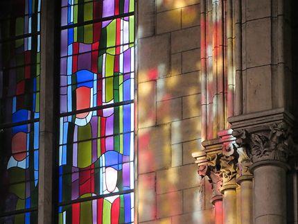 Reflets vitrail, Notre-Dame-du-Perpétuel-Secours