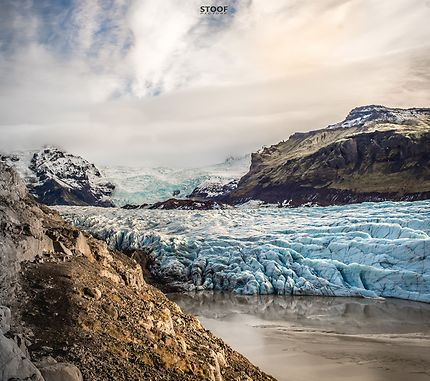 Seul face au glacier