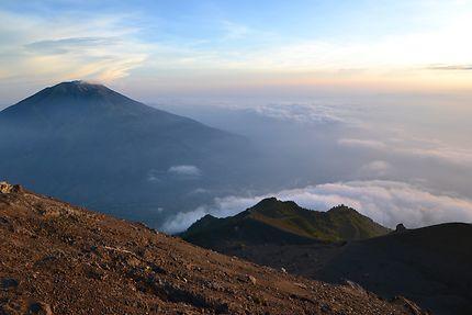 Lever de soleil depuis le Mont Merapi