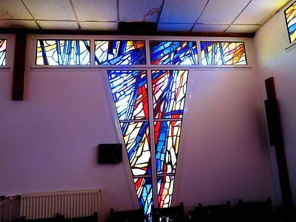 Vitraux modernes Église Saint Pierre du Lac