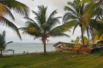 La côte de Big Corn Island