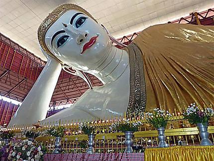 Le Bouddha couché de la Paya Chaukhtatgyi