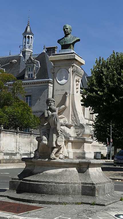 Le monument Lair
