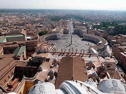 La Place St Pierre des toits de la Basilique