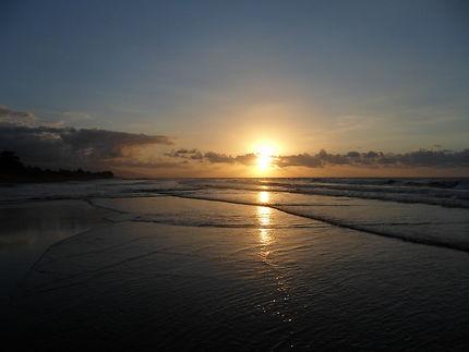 Coucher de soleil à Lovina