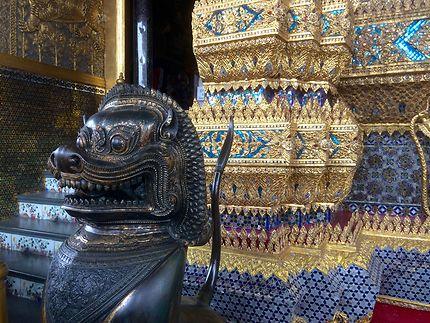 Statue au Temple Wat Phra Kaeo