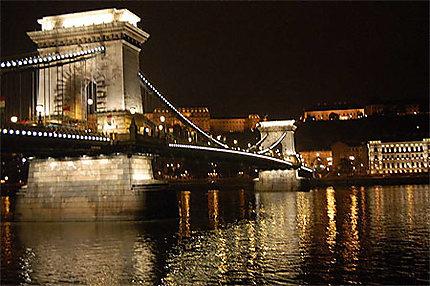 Le pont des Chaines de nuit