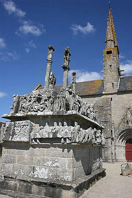 Calvaire et chapelle de Notre-Dame de Tronoën