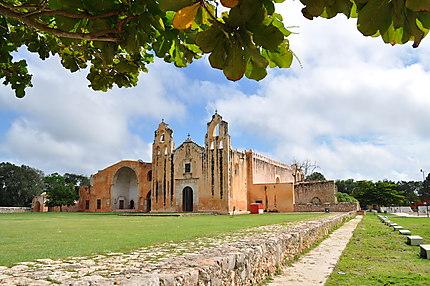 Iglesia de San Miguel Arcangel ville de Mani