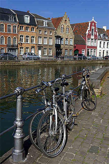 Les canaux, Langerei, Bruges, Belgique