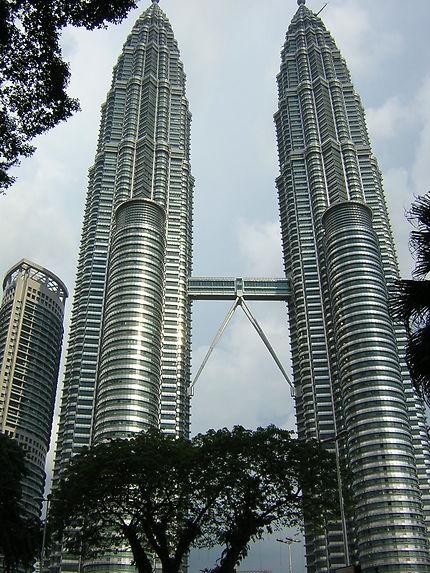 "Kuala Lumpur (traduction : ""confluent boueux"")"