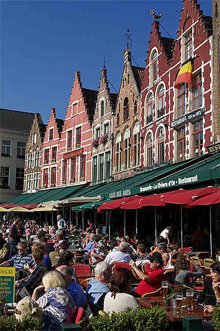 Terrasses, Grand-Place, Bruges, Belgique