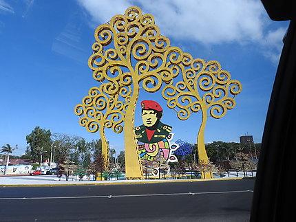 Managua - Rond point Chavez