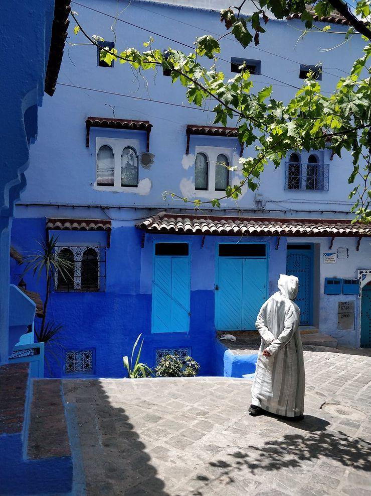 Ambiance de rue à Chefchaouen, Maroc