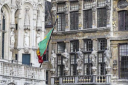 Bruxelles - Grand-Place - Hôtel de Ville et la Maison du Renard