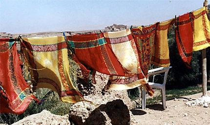 Foulards dans le vent à El Kelaa