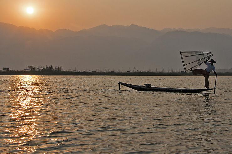 Lac Inle : la Birmanie entre eau et montagnes