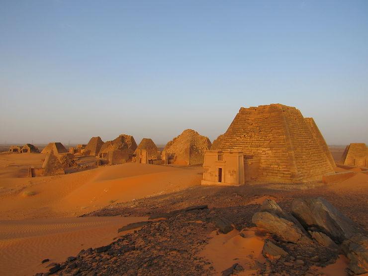 Meroe au lever du soleil, Soudan