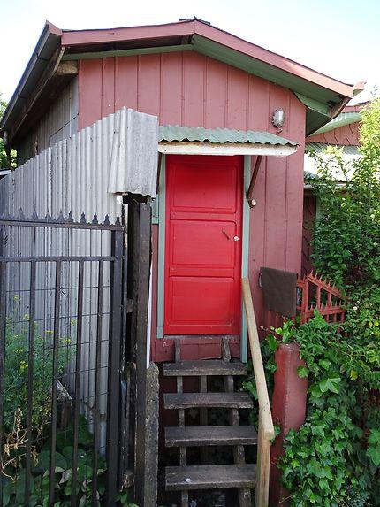 Petite porte rouge