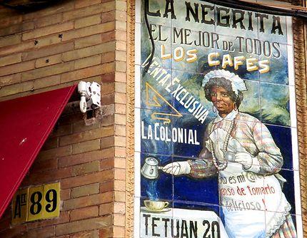"Azuli  ""publicitaire"" à Triana, Séville"