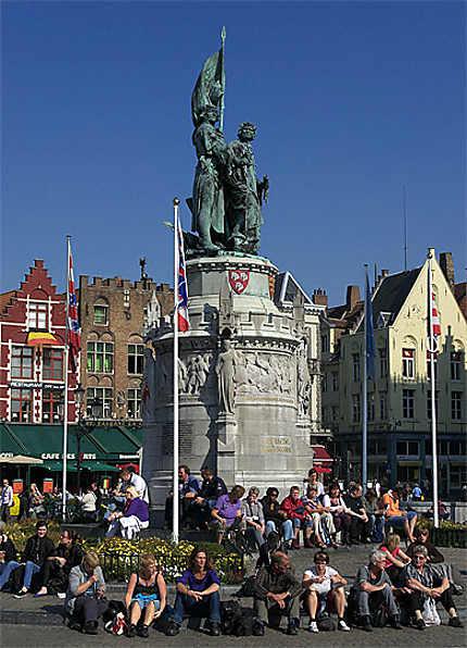 Statue de Pieter de Coninck et de Jan Breydel, Grand-Place, Bruges, Belgique